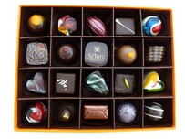 Chocolate Gift Box 35 Pieces (Large Square Box)